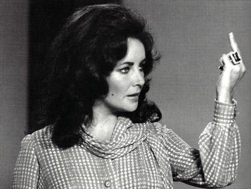 elizabeth taylor, middle finger